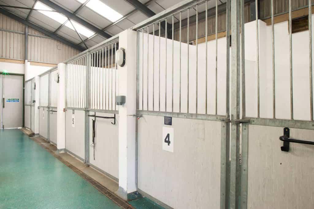 20150922 indoor stables-1